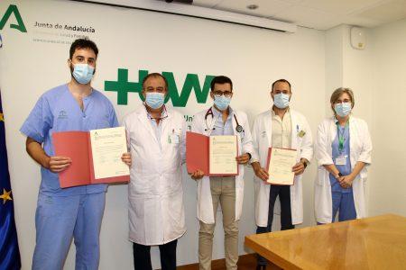 El Hospital Virgen Macarena premia la excelencia de sus mejores especialistas internos residentes